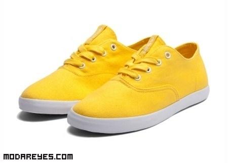 Combinar zapatillas de colores