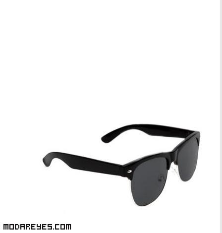 Gafas clásicas de moda