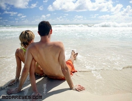 Unos tips para conquistar a la chica que te gusta, en la playa