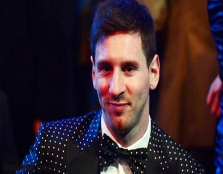Estilo de Messi al recoger su Balón de Oro