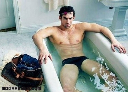 Michael Phelps se desnuda para Louis Vuitton