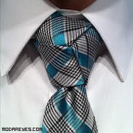 Nudos de corbata elegantes
