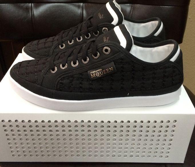 Zapatillas deportivas en color negro