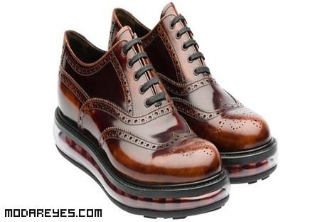 zapatos con cordones elegantes