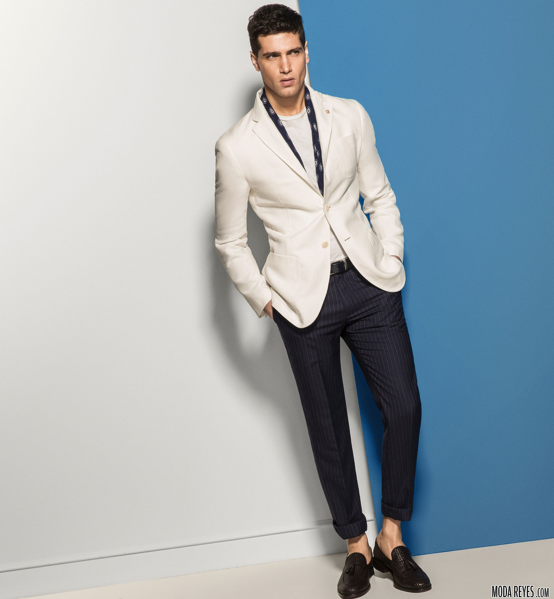americana blanca y pantalón massimo dutti