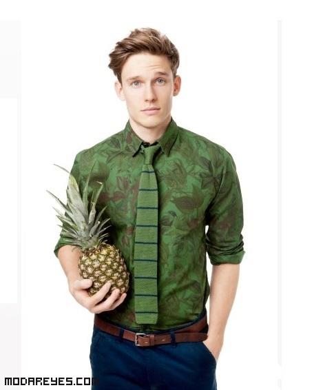 camisas estampados tropicales de moda