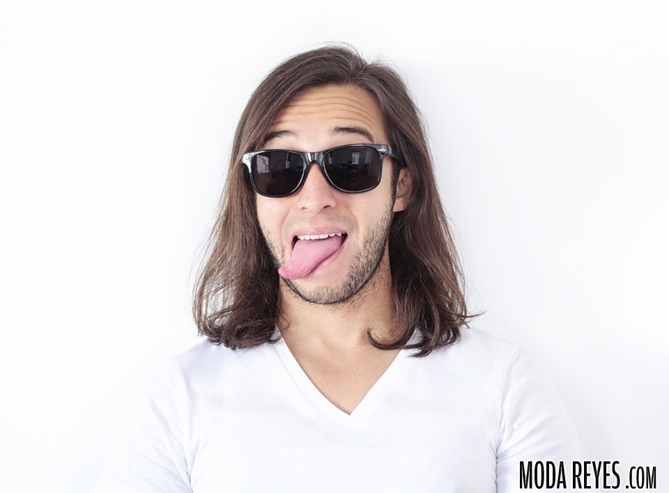 hombre cabello  largo