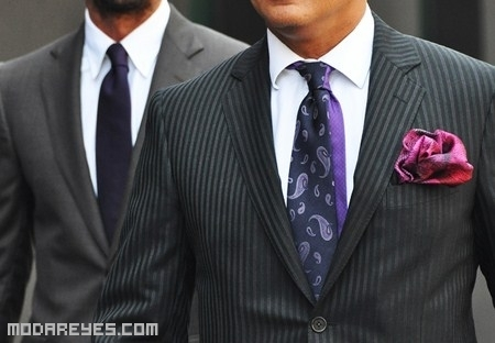 Cómo doblar el pañuelo de un traje