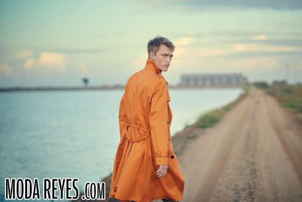 Combinación del color naranja en la moda de entretiempo