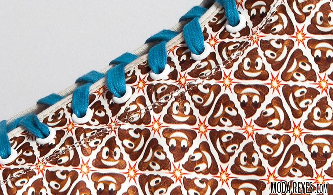 zapatillas con emoticono poo